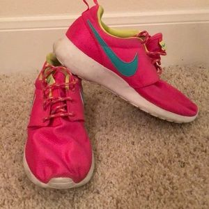 Shoes - Pink Nike's